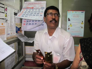 EQUIP project REACH Chennai India, DOT supervisor Joseph - Photo Netty Kamp