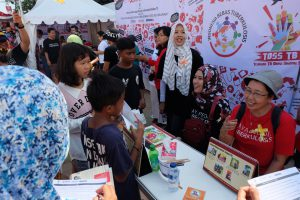 TB education and photo booth registration during TB Day at Marunda_pic by Teuku Nasrullah.